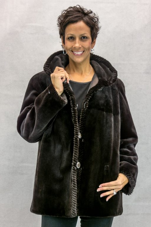 W49 brown sheared letout mink 28 jack with grooving detail  reverses to brown taffeta silk4