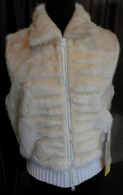 Oyster Bleached Beaver with Sheared Grooving Zip Vest1