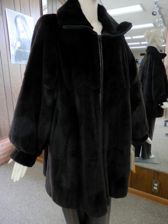 Reversible Black Plucked Mink to Cabretta Lamb1