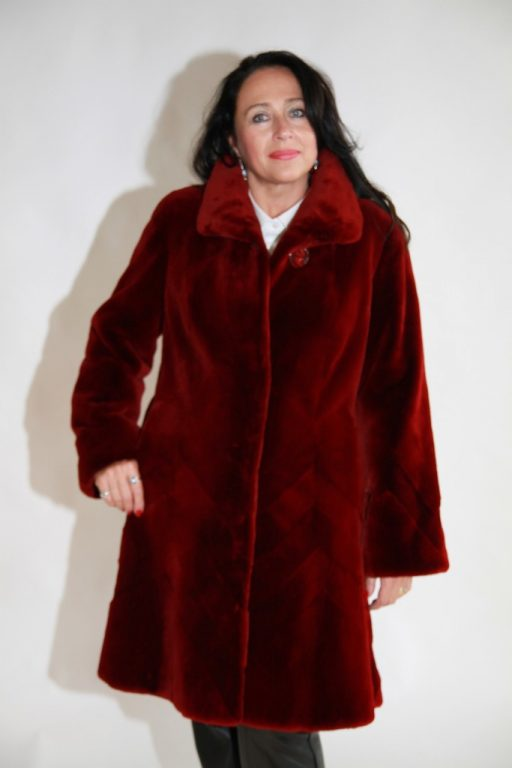 volcano red dyed sheared letout 38 beaver coat with chevron design grooving at hem1